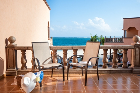 211042 - 3 Bedroom Oceanfront Condo at Las Casitas photo