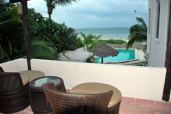 211033 - 2 Bedroom Oceanfront Condo! photo