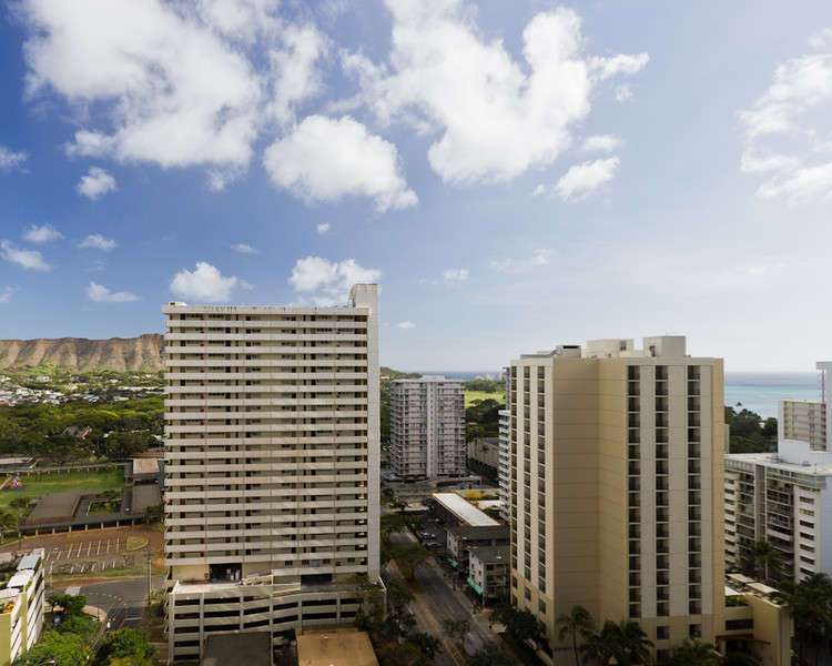 Waikiki Banyan - Tower 1 Suite 2209 photo