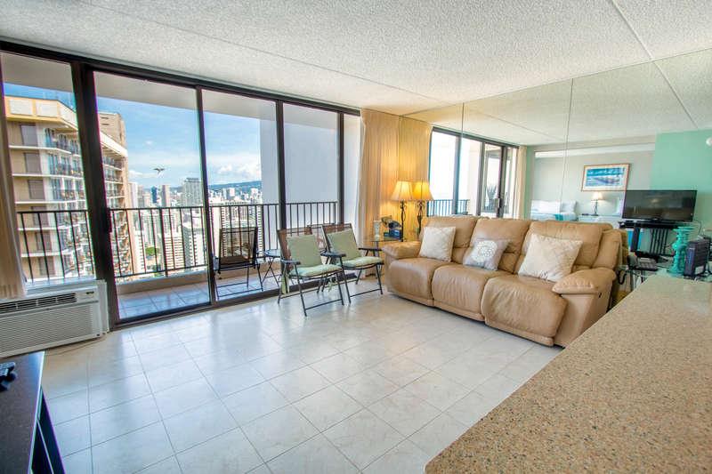 Waikiki Banyan - Tower 1 Suite 3508 photo