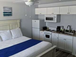 Beachgate Condo Suites and Hotel - 226 photo