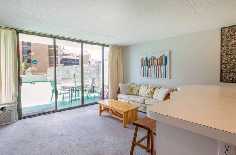 Waikiki Banyan - Tower 1 Suite 612 photo