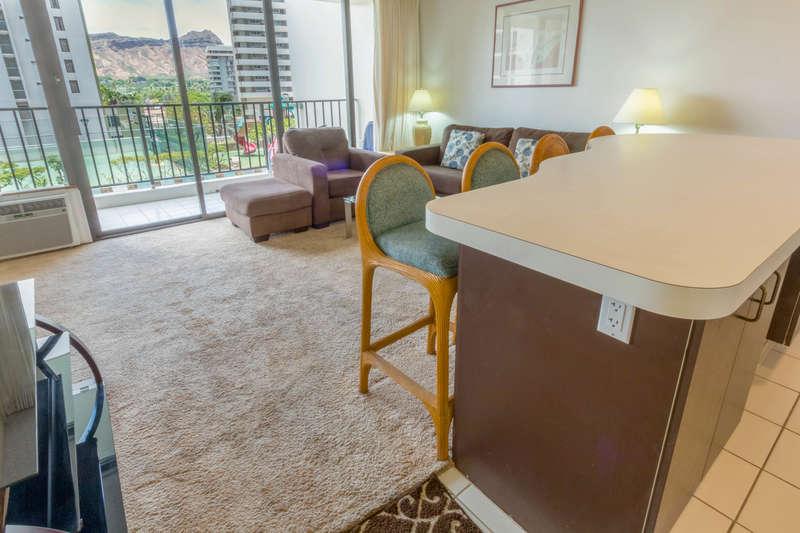 Waikiki Banyan - Tower 1 Suite 701 photo