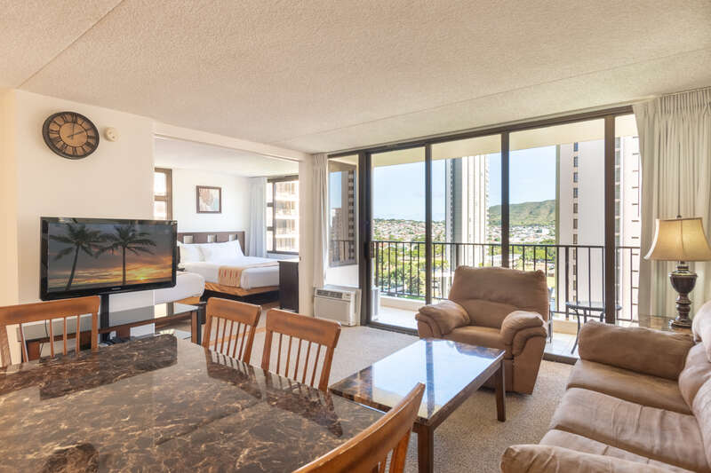 Waikiki Banyan - Tower 1 Suite 1501 photo
