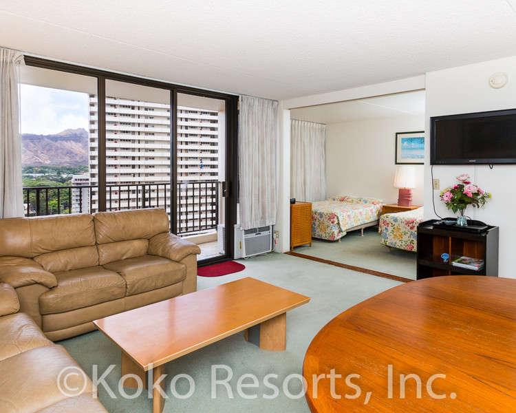Waikiki Banyan - Tower 1 Suite 1803 photo