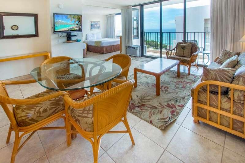Waikiki Banyan - Tower 2 Suite 3704 photo