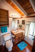 Full en suite Bath in Loft