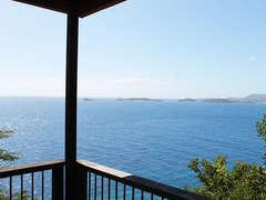 2-Panoramic Ocean Views!