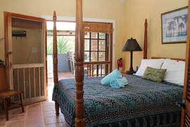 Queen Bed in Lower Master Suite #2
