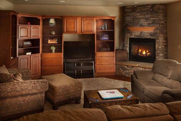 Timberline Vista - Family Room, downstairswww.enjoymontana.com