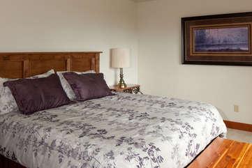 Timberline Vista - Main Floor Bedroom www.enjoymontana.com